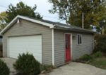 in BLOOMINGTON 61701 815 W OAKLAND AVE - Property ID: 4054212