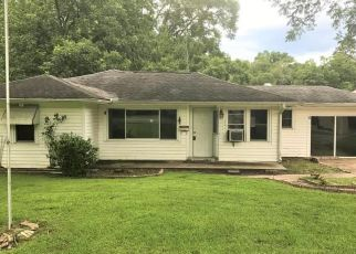 Petal Home Foreclosure Listing ID: 4195027